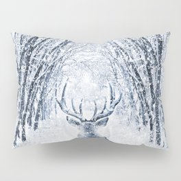 Winter deer Pillow Sham