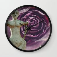 queens of the stone age Wall Clocks featuring Queens by freedom-of-art