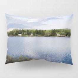 Casa no lago perto de Montreal Pillow Sham