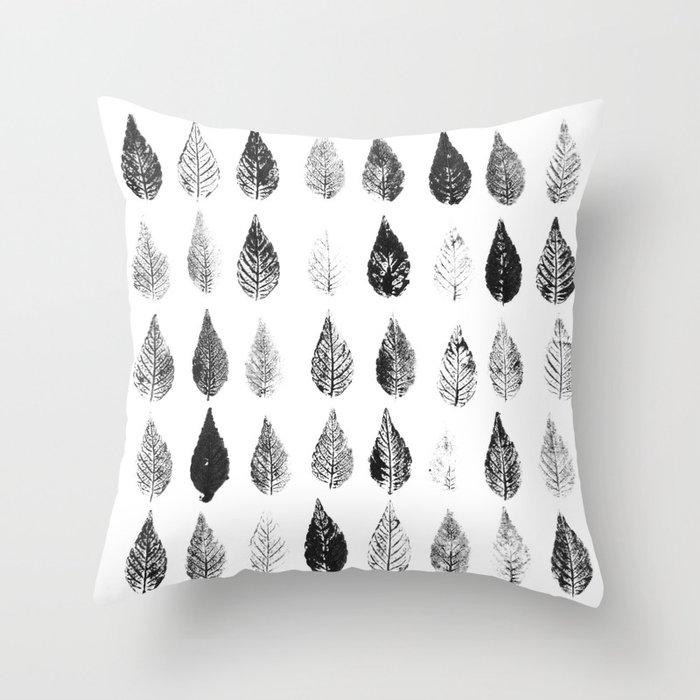 Leafy Print Throw Pillow