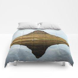 Mountain reflect Comforters