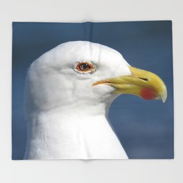 Seagull up close Throw Blanket