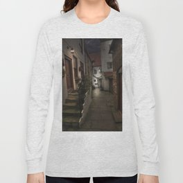 Alleyway in Whitby, home of Dracular!! Long Sleeve T-shirt