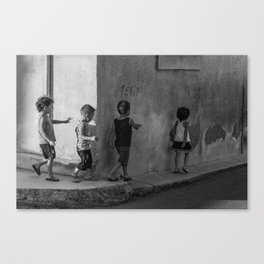 Get in line Canvas Print