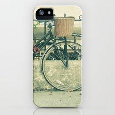 Day-Tripper iPhone (5, 5s) Slim Case