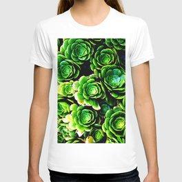 Green patterns T-shirt