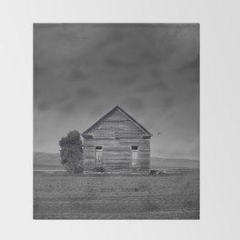 Old Barn Throw Blanket