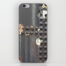 Rivet A Gogo iPhone Skin