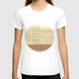 Os Livros T-shirt