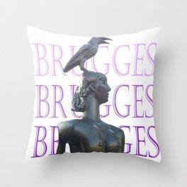 Brugges - 2013 - arte urbana - Foto de José Santhiago Throw Pillow