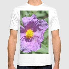 Wild flower in rosacea color T-shirt
