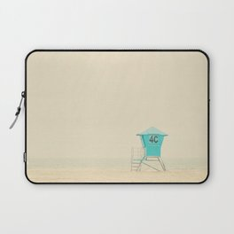 the sound of the outer ocean on the beach ... Laptop Sleeve