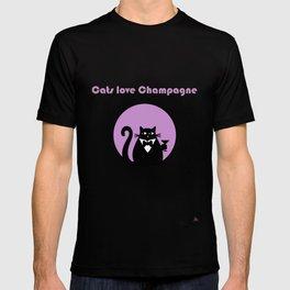 """Cats love Champagne"" by Qora & Shaï T-shirt"