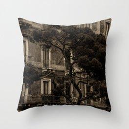 Voguing In Catania Throw Pillow