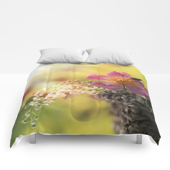 Lovely flowerbouquet in a special light- Rose Roses Comforters
