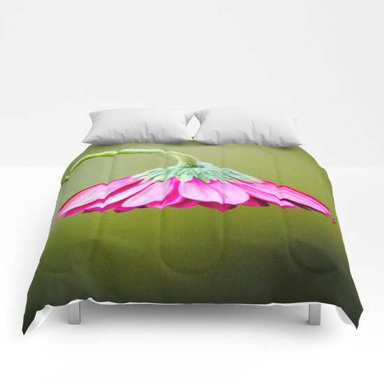 Pink/Green Drooping Flower  Comforters