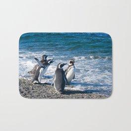 Penguin clique Bath Mat