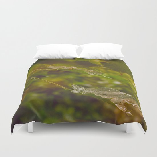 Rainy autumn leaves Duvet Cover