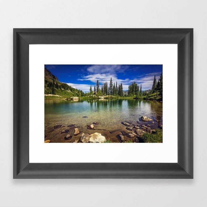 Mountain Lake in the Mt Rainier National Park Gerahmter Kunstdruck