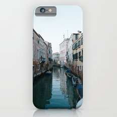 Empty boats in Venice Slim Case iPhone 6s