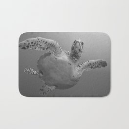 Sea Turtle Line Pattern In Black And White Bath Mat