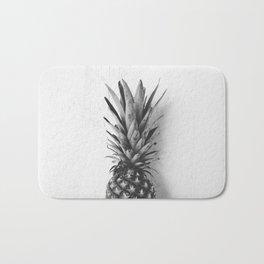 Black and white pineapple Bath Mat