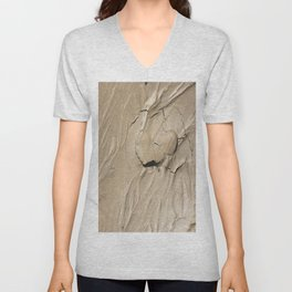 FootPrint in Hidden Sinking Sand - Crack my Heart Unisex V-Neck