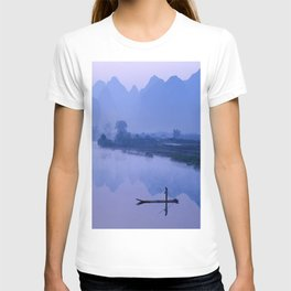 LI RIVER AT DAWN-GUILIN CHINA T-shirt