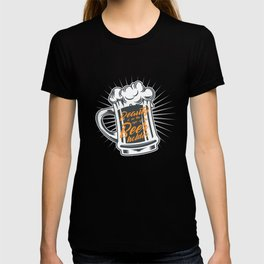 Beauty Is In The Eye Of The Beer Holder print T-shirt
