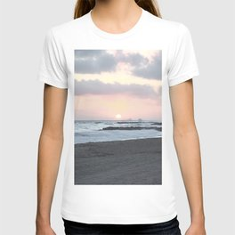 Beach Sunset Modern and Vintage Beach Aesthetic Photography of Newport Beach Colorful Pink Blue Sky T-shirt