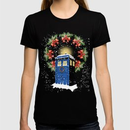 A WARM AND CONFORTABLE TARDIS I N THE SNOWSTORM T-shirt