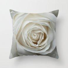 White Rose 9419 Throw Pillow
