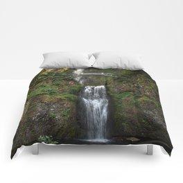 Multnomah Falls, Columbia River Valley, Portland, Oregon. Comforters