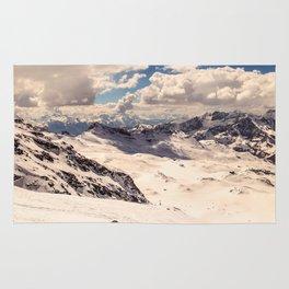 sunny day on the ski slopes of Cervinia Rug