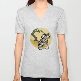 Tiger with magpie type-D Unisex V-Neck