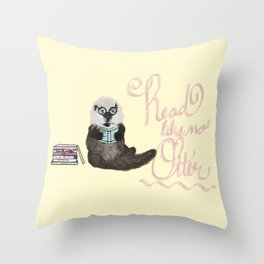 Martin the Otter: Read Like No Otter-by Hxlxynxchxle Throw Pillow