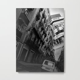 which ignore or encompass Metal Print