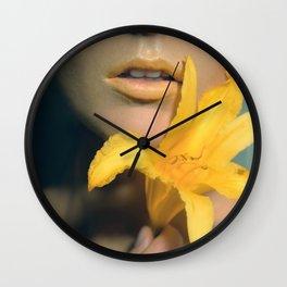 #2 Fowers Lips Wall Clock