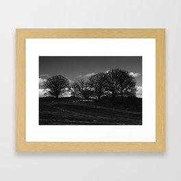 Mørket Kommer (Darkness Comes)  Framed Art Print
