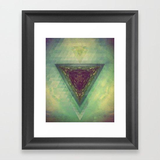 TRYY SKYY Framed Art Print