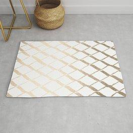 Luxe Gold Diamond Lattice Pattern on White Rug