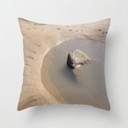 TIDAL POOL SANDYMOUTH BEACH CORNWALL Throw Pillow