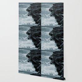 Crashing Waves On Rocks Wallpaper