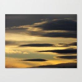 Night slips in Canvas Print