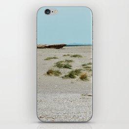 The sea returns iPhone Skin