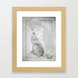 Wolf howl at the Moon Framed Art Print