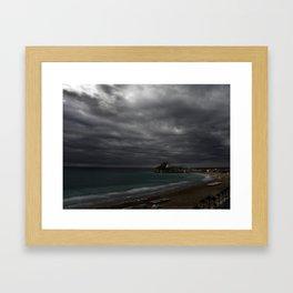 Antes de la tormenta Framed Art Print