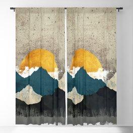 Thaw Blackout Curtain