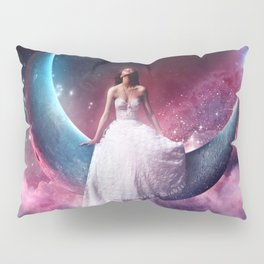girl in th the moon Pillow Sham