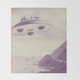 UFO Throw Blanket